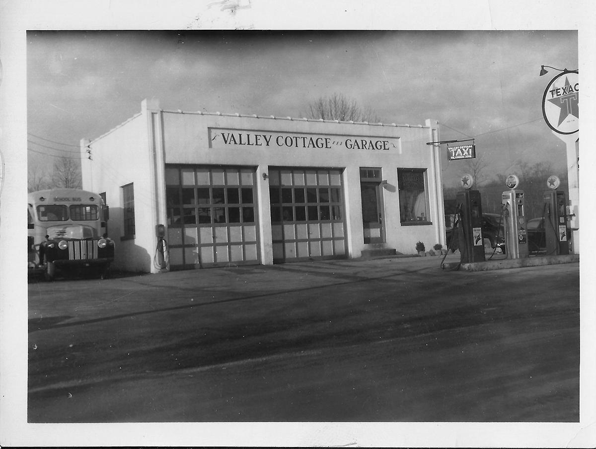Valley Cottage Garage & Bus in 1952