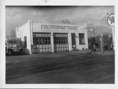 Valley Cottage Garage & Bus in 1952